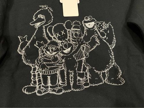 sudadera kaws plaza sésamo street hooded sweathshirt