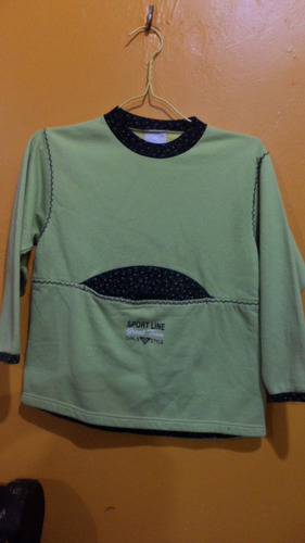 sueter de niña talla 8 color verde manzana con azul marino