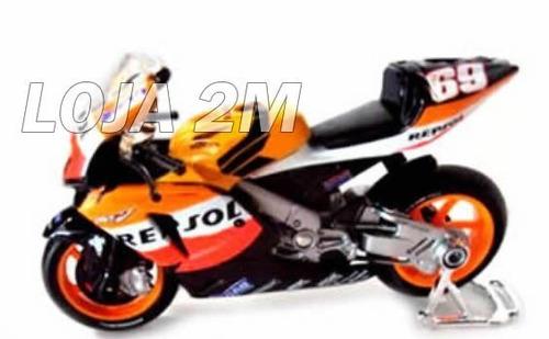 super kit com 03 miniaturas de motos gp escala 1:18 maisto