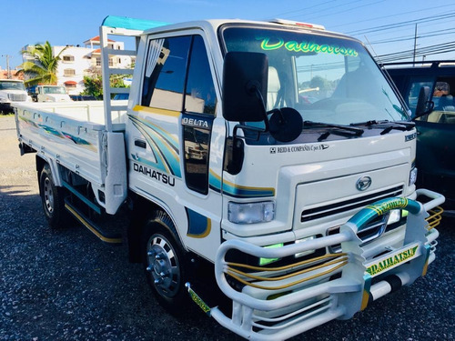 super oferta camion daihatsu delta 2002 cama cortta 100%