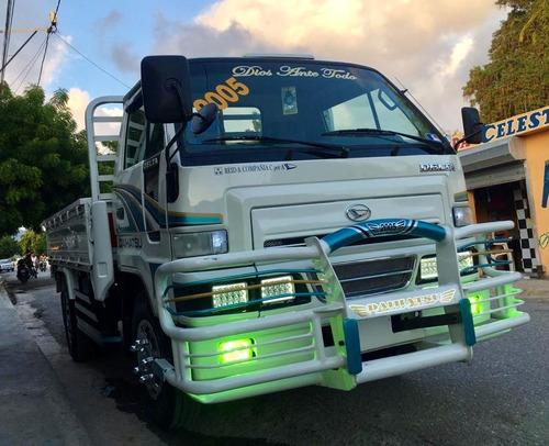 super oferta camion daihatsu delta 2005 cama cortta 100%full