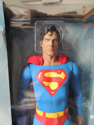 superman christopher reeves esc.1/4 45 cm neca comics novo