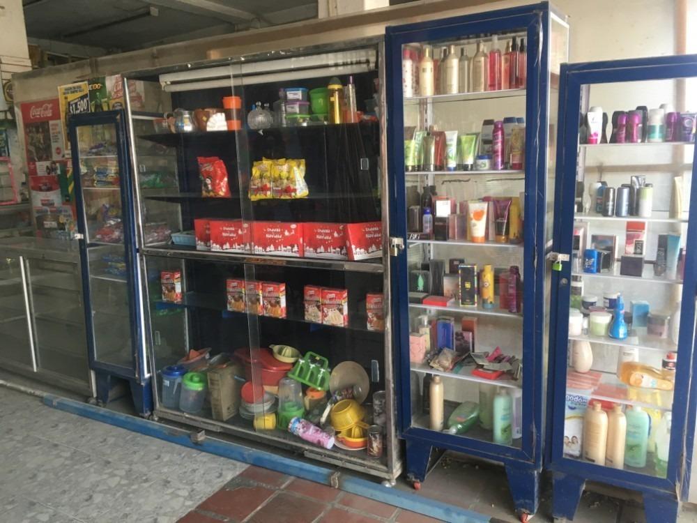 supermercado, abarrotes, tienda; granero, local comercial