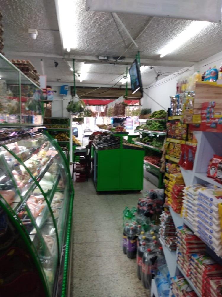supermercado con fruver excelente ubicación y antigüedad