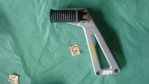 suporte pedaleira tras l/e suzuki dr 650 ano 1997.