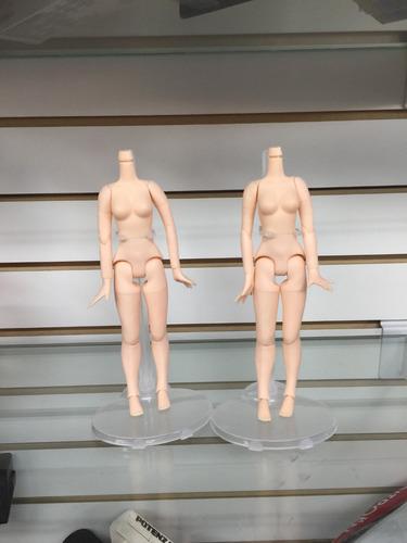 suporte ( standpedestal expositor) para boneca barbie