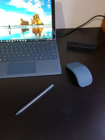 Surface Pro 6 + Accessorios (pen, Mouse, Keyboard, Dock)