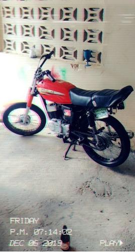 susuki ax 100 rojo