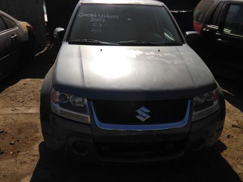 susuki grand vitara 2007 2.7 auto por partes piezas
