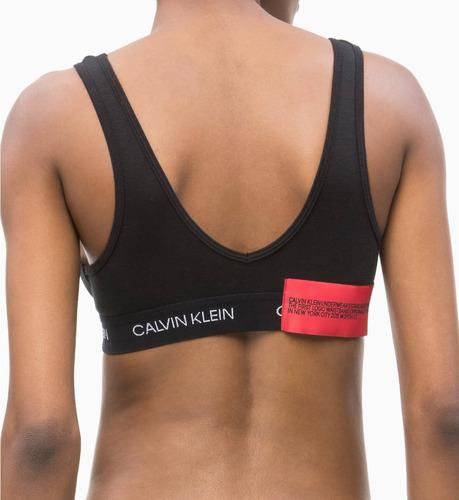 sutiã top calvin klein underwear monograma statement patch