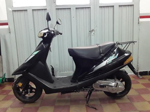 suzuki  2001