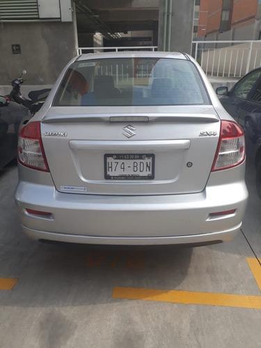 suzuki 2014 modelo sx4 6vel.  $130 mil a tratar.