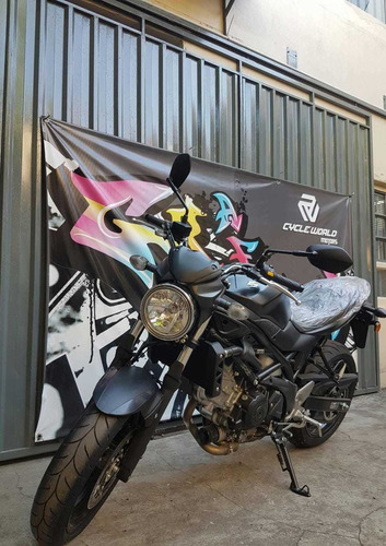 suzuki 650 moto