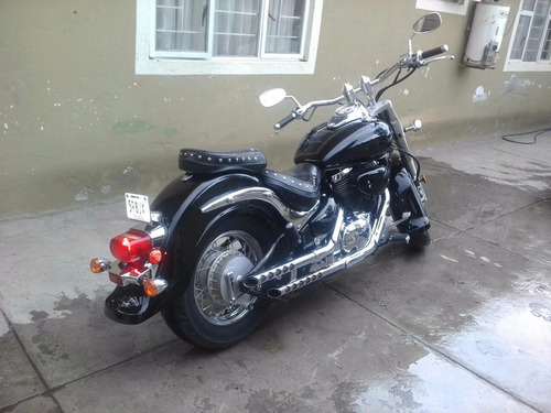suzuki 800 moto