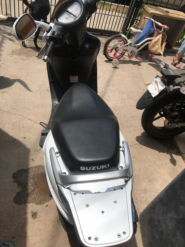 suzuki an125 blanca único dueño