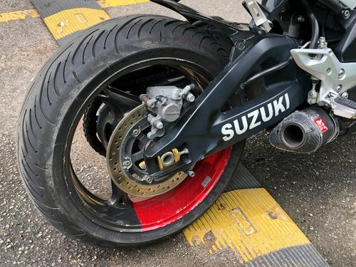 suzuki b-king 2009. una moto única, solo para los mejores.