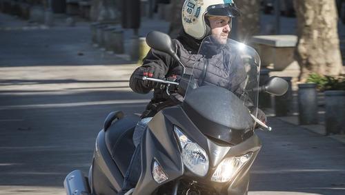 suzuki burgman 200 0km en motolandia!!!
