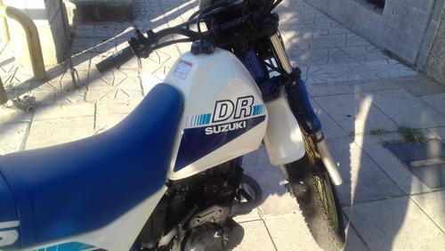suzuki dr 125 sj año 93 conservada km reales digna de ver!!