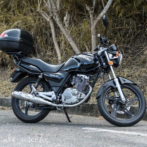 suzuki en125 negro