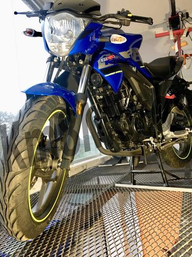 suzuki gixxer 150  en km8 motos