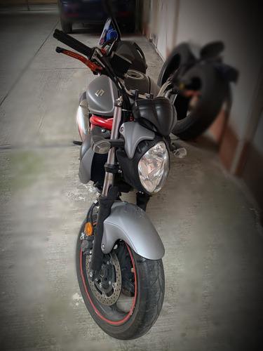suzuki gladius svf 650cc unico dueño excelentes condiciones
