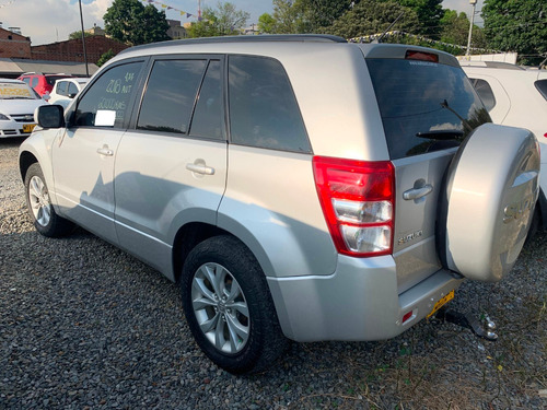 suzuki gran vitara aut 2.4cc 4x4 gris plata 2018 efv824