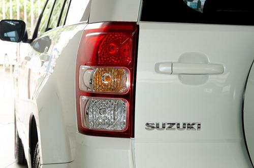 suzuki grand vitara 2013 top+teto,baixo km,pneus novos!