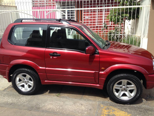 suzuki grand vitara full con fenders y aros de aleacion  200