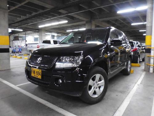 suzuki grand vitara luxury at 2700cc 5p 4x4