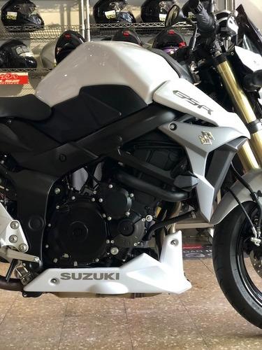 suzuki  gsr-s 750 año 2017 con 1500 km nueva