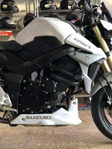 suzuki  gsr-s 750 año 2017 con 1500 km reales