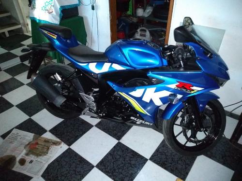suzuki gsx-r 150 azul