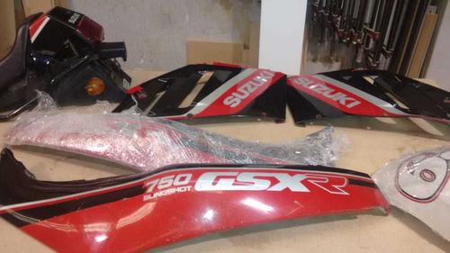 suzuki gsx r 750 personalizada