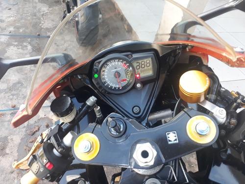 suzuki gsx-r1000 esportiva 1000