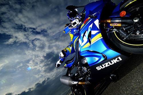 suzuki gsx r1000 moto deportiva
