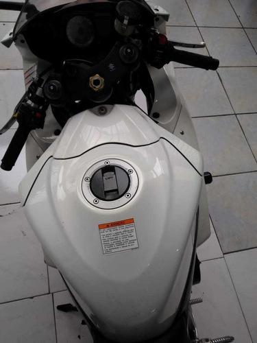 suzuki gsx-r750 2011