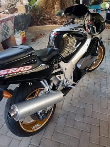suzuki gsx-r750 srad