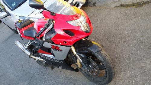 suzuki gsxr 600 roja
