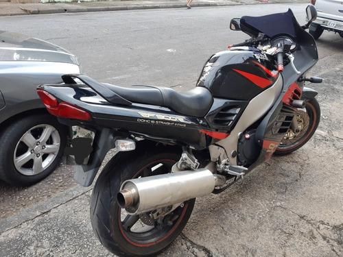 suzuki rf900 r em perfeito estado de conservação