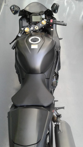 suzuki - srad 1000 -  bmw - s1000 rr