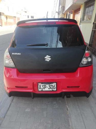 suzuki swift rojo negro