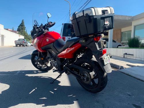 suzuki v-strom 650 2011 roja motocicleta doble propósito