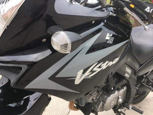 suzuki v-strom dl650 modelo 2011... excelente maquina !!!