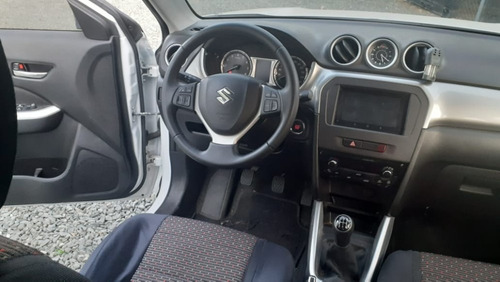 suzuki vitara 2wd motor 1.6 2017 blanco negro 5 puertas