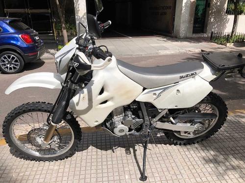 suzuky 400 drz s blanca, dueno, lista x transferir, unica!!!