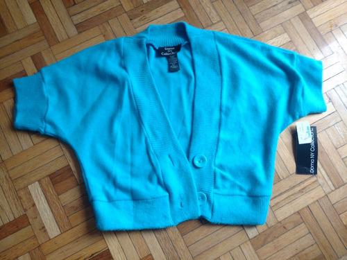 sweater azul corto con etiqueta