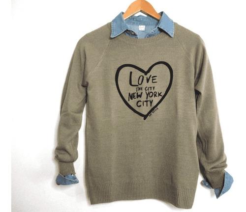 sweater con aplique love ny