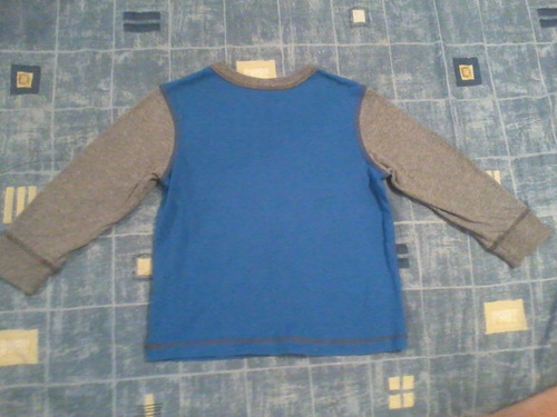 sweater oshkosh mvp, talla 2-3 niños