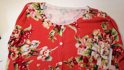 sweater saquito saco floreado flores rojo naranja botones