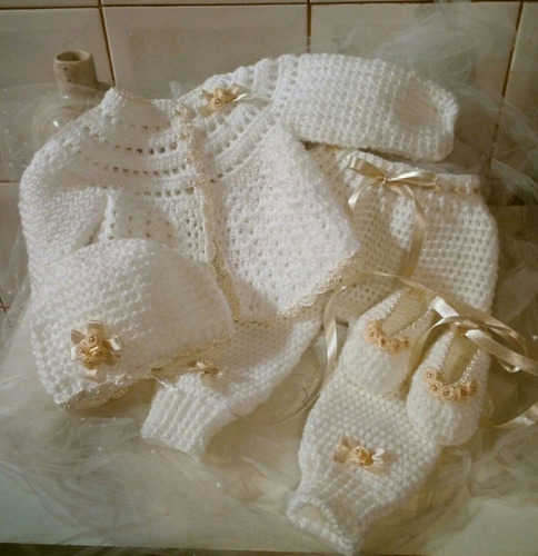 sweter -   pantalón gorro y zapatitos para tu bb tejido
